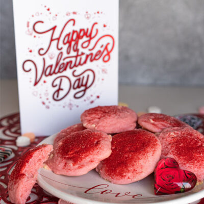 Strawberry and Cream with White Chocolate Cookies.