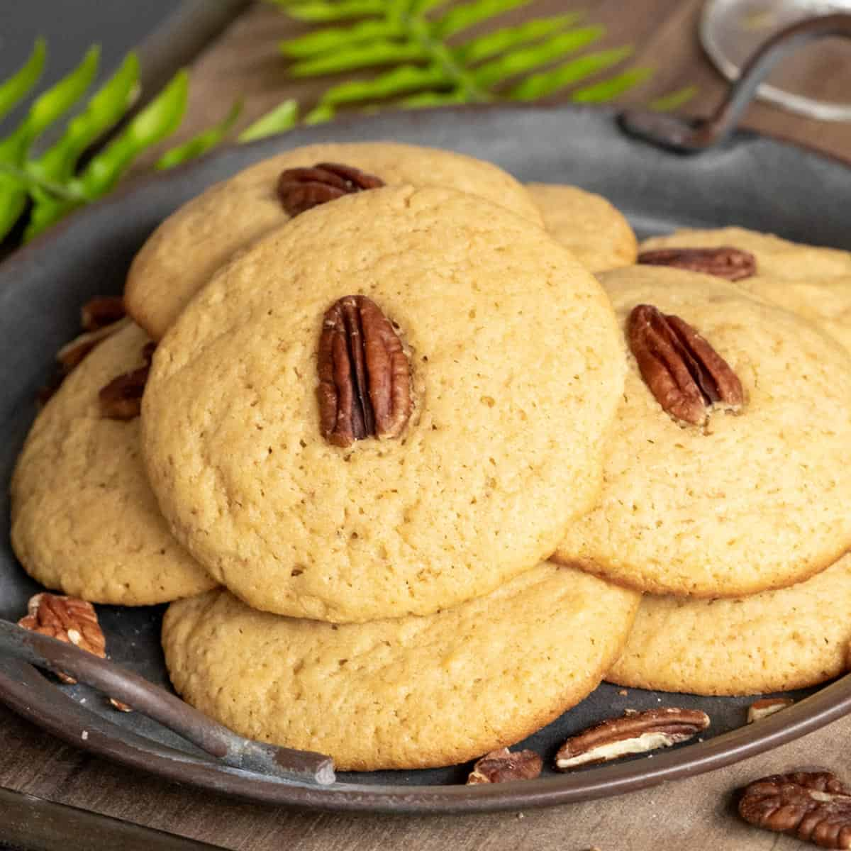 Espresso Mascarpone Rum cookies on a serving plate.